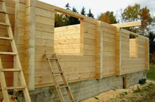 Какой вид бруса  лучше выбрать для строительства дома
