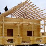 Когда лучше строить дом из бруса