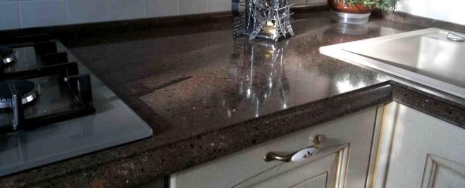 Как выбрать столешницу для кухни камень