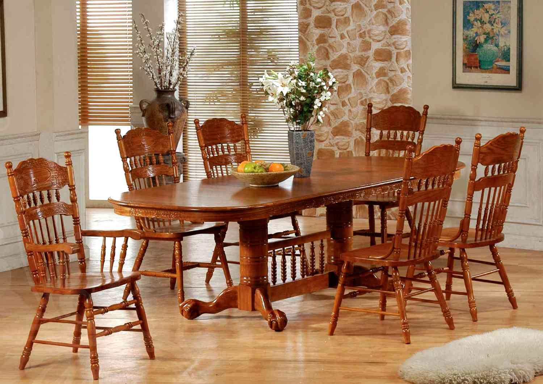 Обеденный стол со стульями своими руками