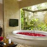 Яркие цветовые решения для ванной комнаты