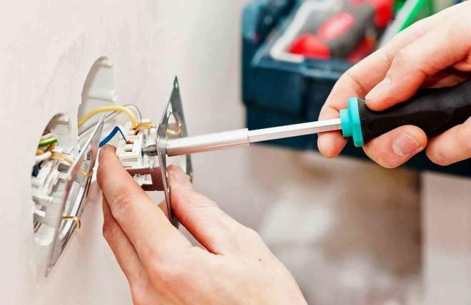 Прокладка электропроводки в помещениях с высокой влажностью