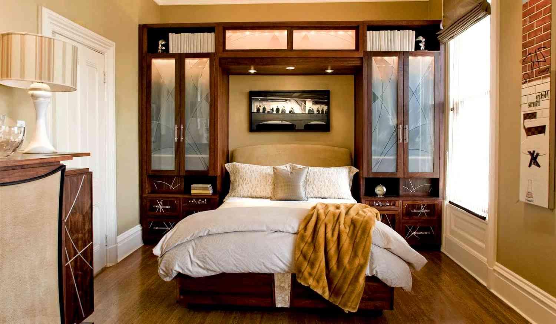 Маленькая спальня: как визуально ее увеличить