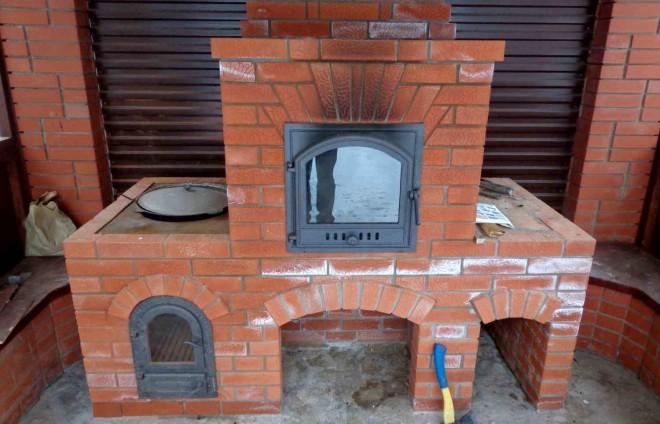 Садовая печь для выпекания хлеба