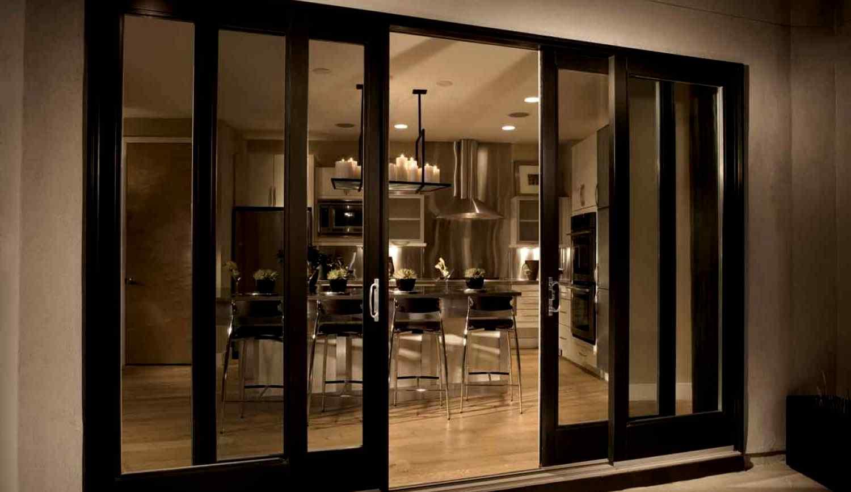 Преимущества стеклянных перегородок в квартире