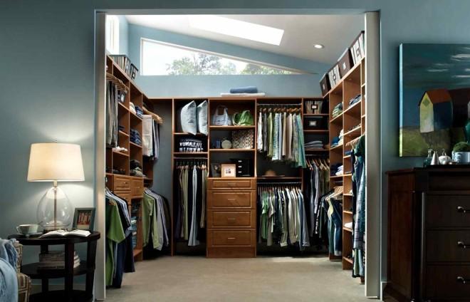 Удобная и практичная гардеробная комната,