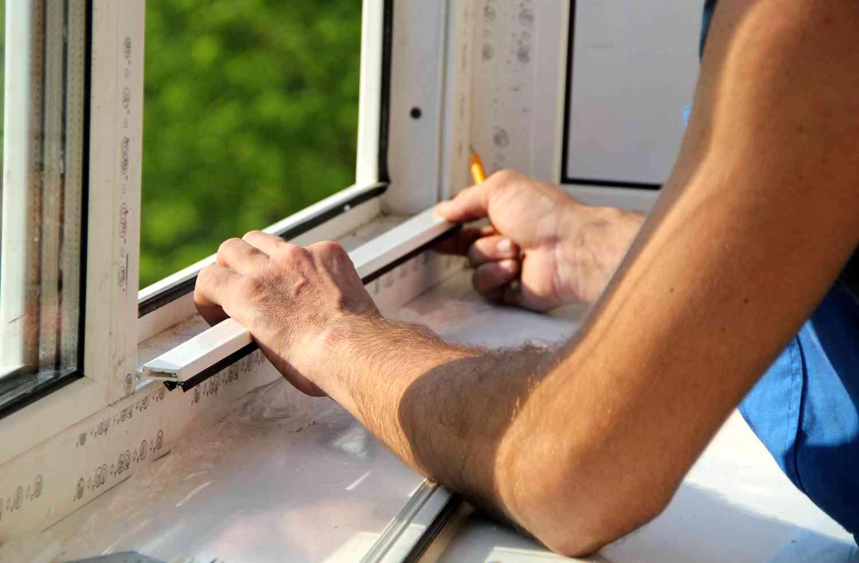 Устраняем царапину на пластиковом окне своими руками
