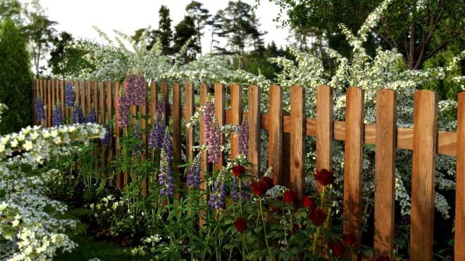 Деревянный забор для сада
