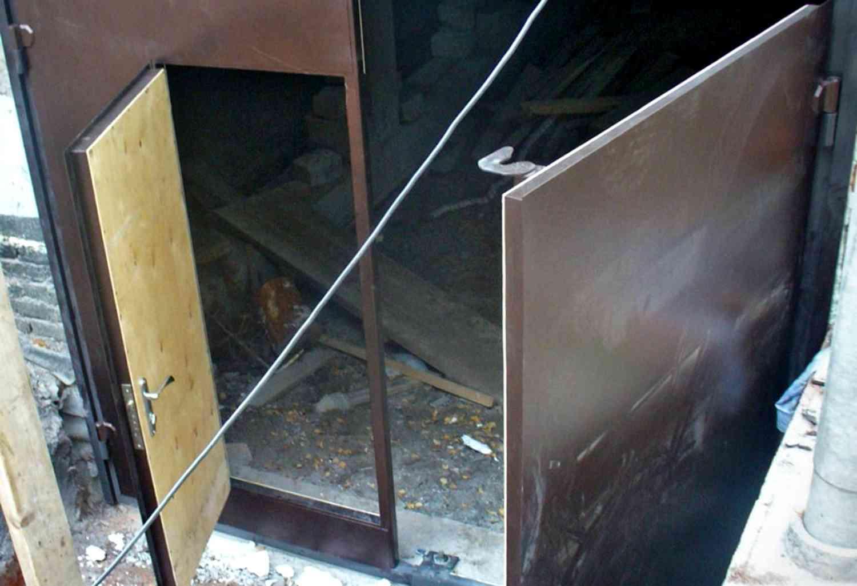 Железная дверь своими руками - 2 варианта, мастер-класс! 41