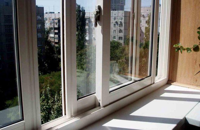 От чего зависит цена пластикового окна