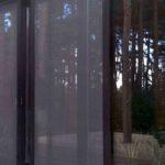 Антимоскитная сетка на дверь — виды и преимущества