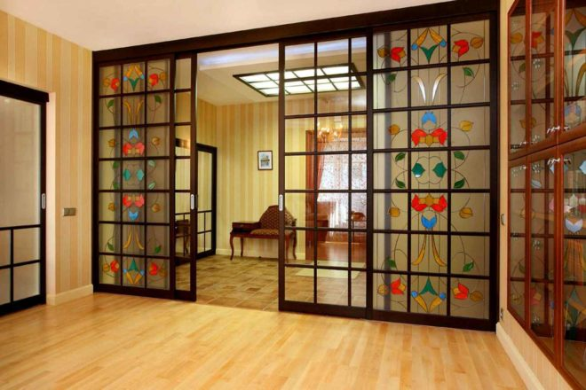 Раздвижные двери и межкомнатные перегородки