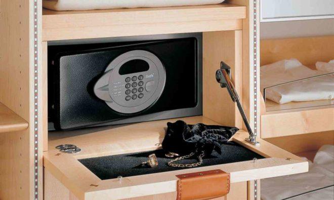 Как выбрать мебельный сейф