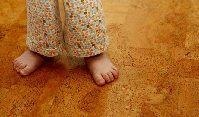 Как выбрать напольное покрытие для детской комнаты