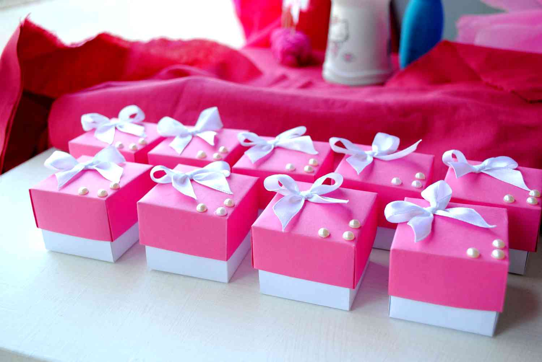 Как выбрать свадебные бонбоньерки