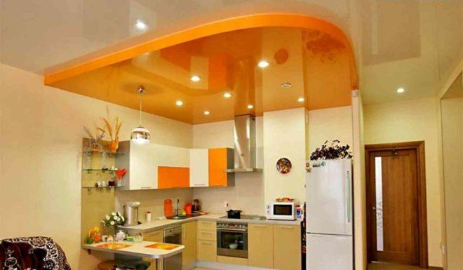 Какой натяжной потолок лучше выбрать для кухни