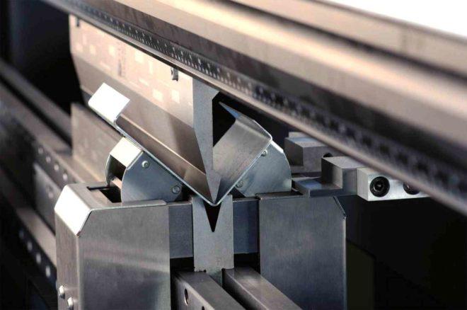 Резка и гибка листового металла