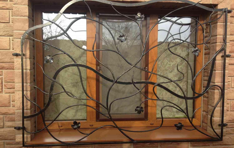 Как выбрать кованные решетки на окна