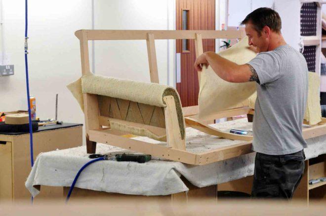 Ремонт мягких мебели своими руками