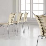 Как выбрать металлические стулья для кухни