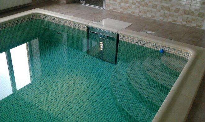 Фильтрация и хлорирование воды в бассейне