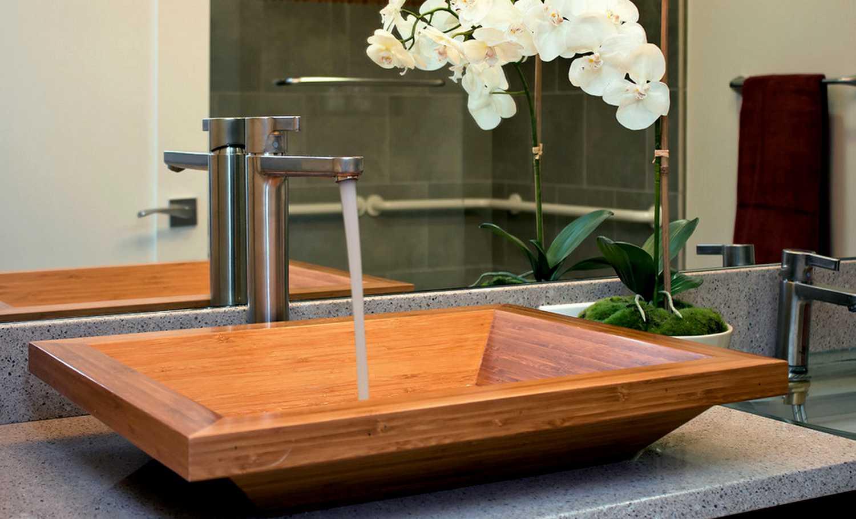 Дизайн ванной с деревом 4