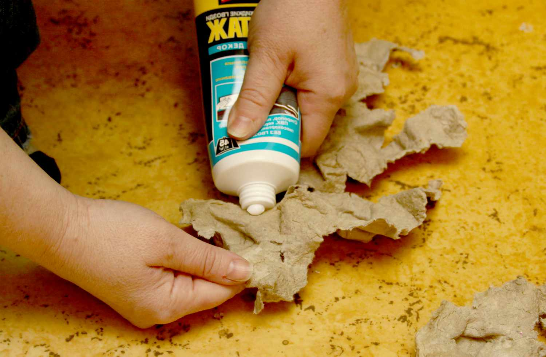 Чем очистить и отмыть жидкие гвозди