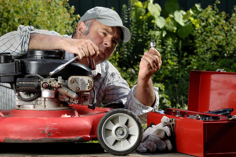 Как выбрать бензиновую газонокосилку для дачи