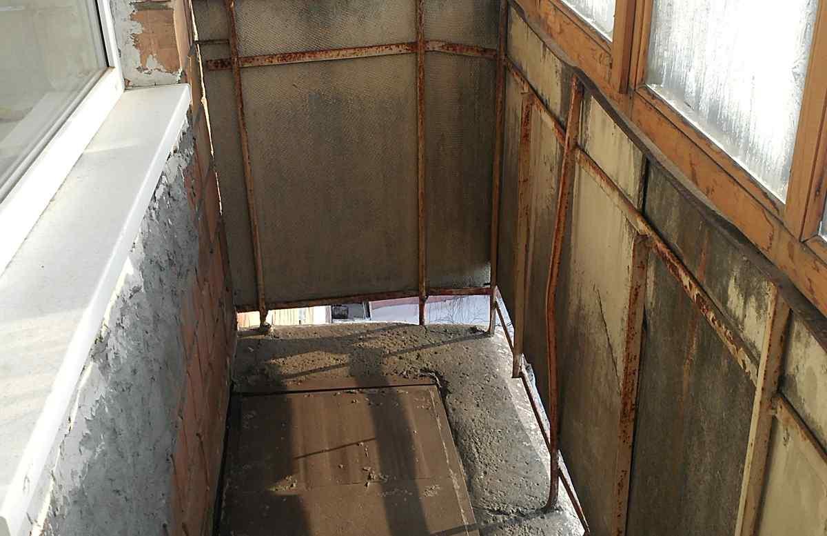 Ремонт балкона в хрущевке своими руками