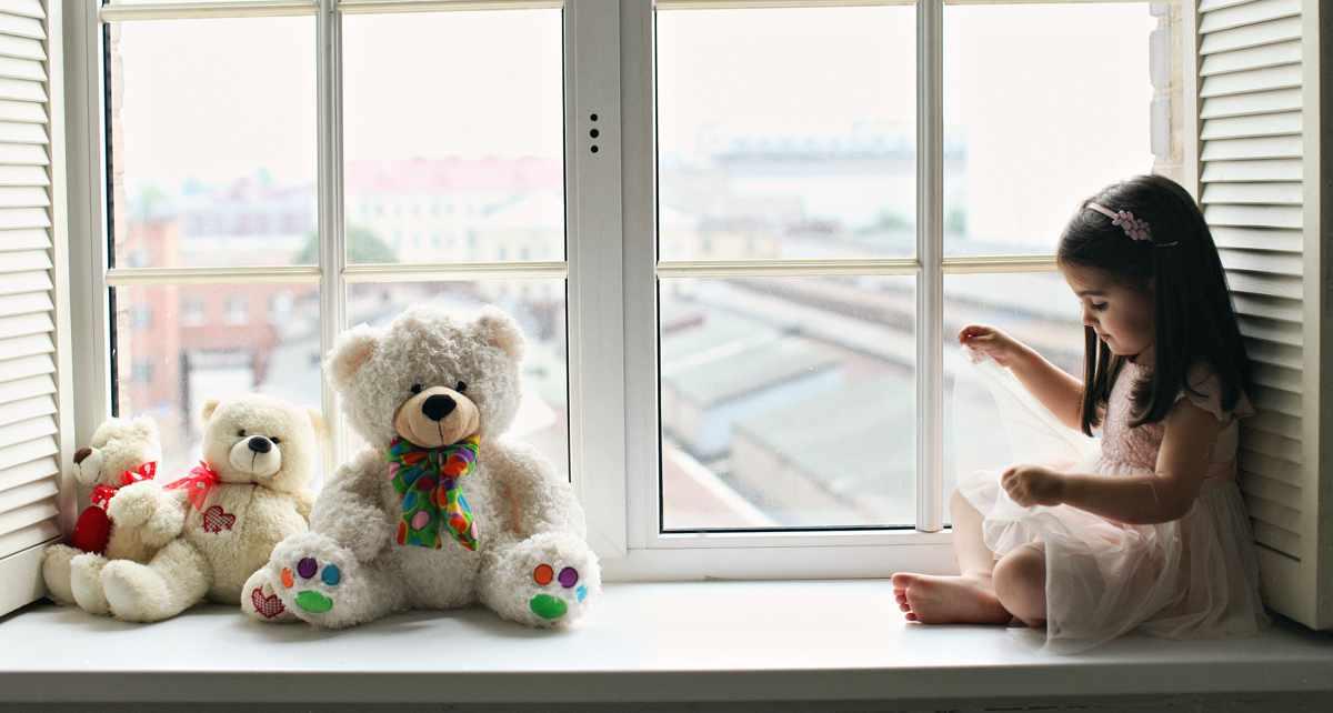Как выбрать окно в детскую