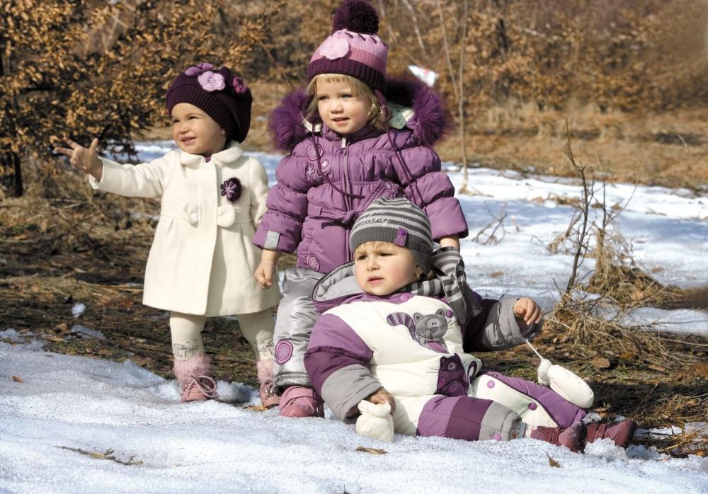 Удобная и безопасная одежда малышу для прогулки