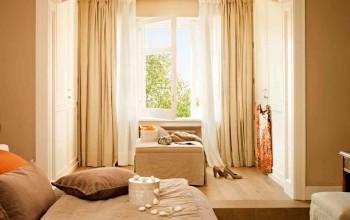 Спальная комната в бежевых тонах