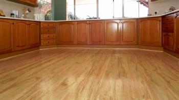 Напольные кухонные покрытия ламинат