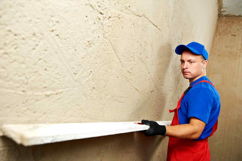 Как грамотно штукатурить стены