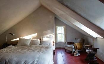 Спальня в мансарде быть или не быть