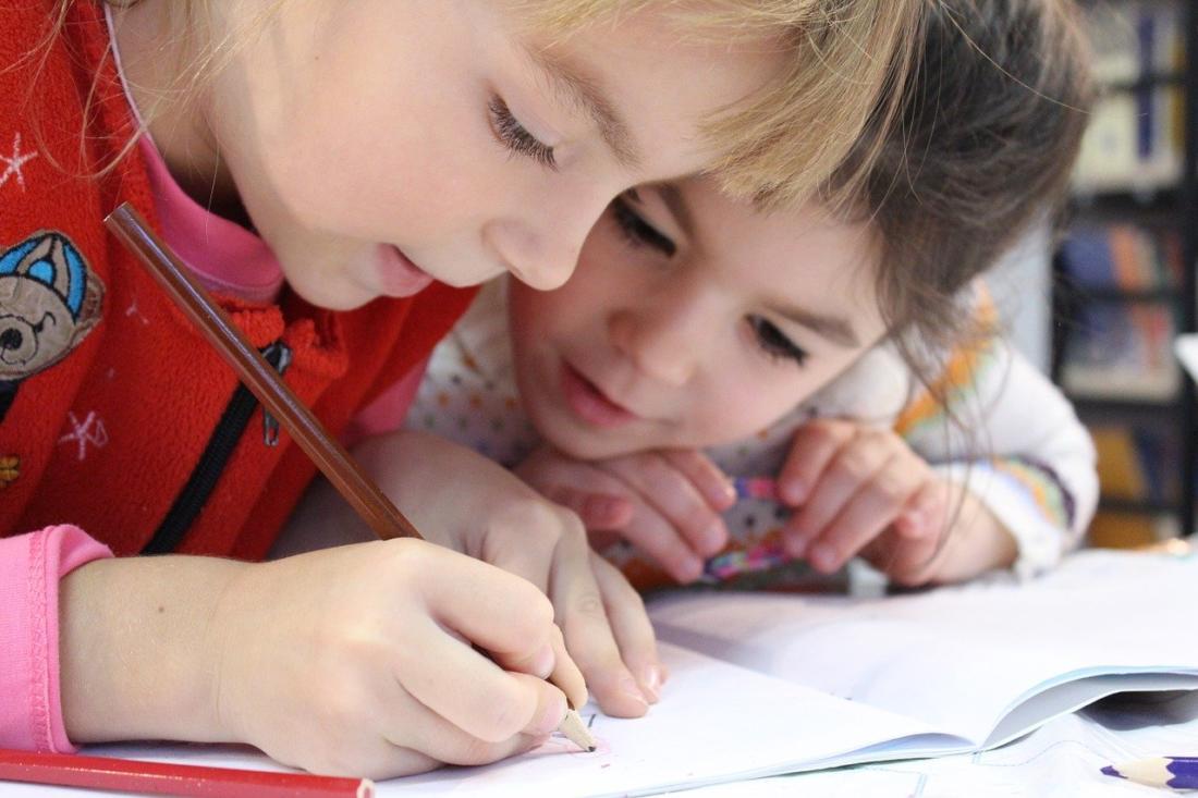 Лучшие игры для развития коммуникативных навыков у ребенка