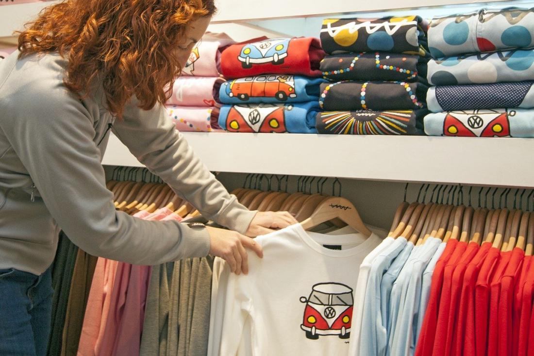 Дизайнерские футболки с рисунками