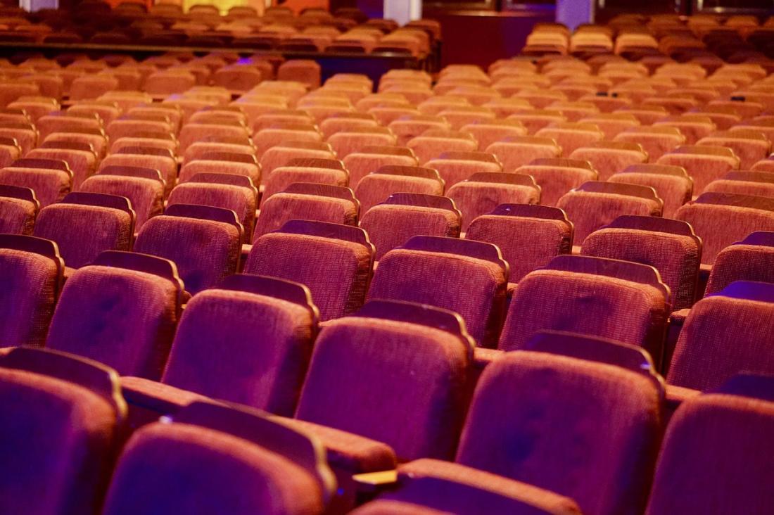 Как вести себя в театре: полезные рекомендации